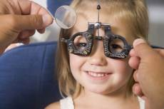 little girl eye exam