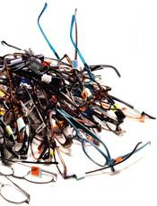 pile of reading glasses